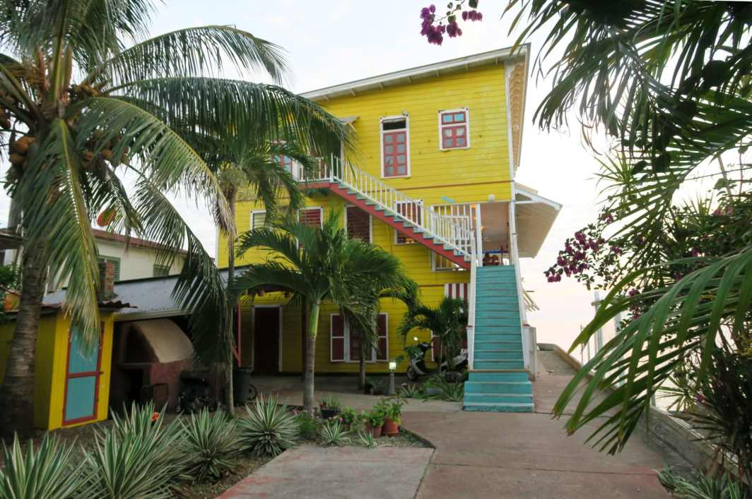 Mango Tango Restaurant Utila Honduras