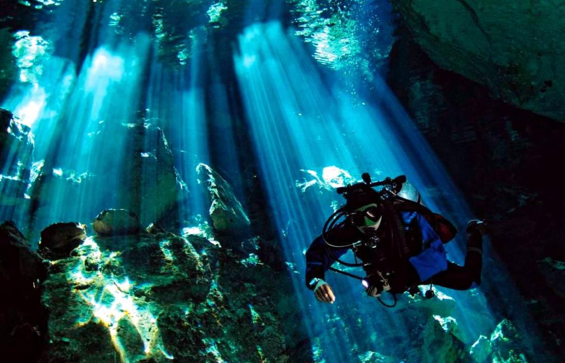 Cenote diving Mexico