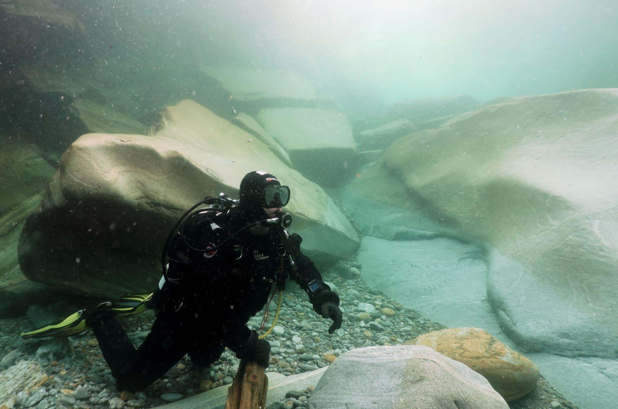 Pozzo delle Posse Scuba diving in Verzasca River Switzerland