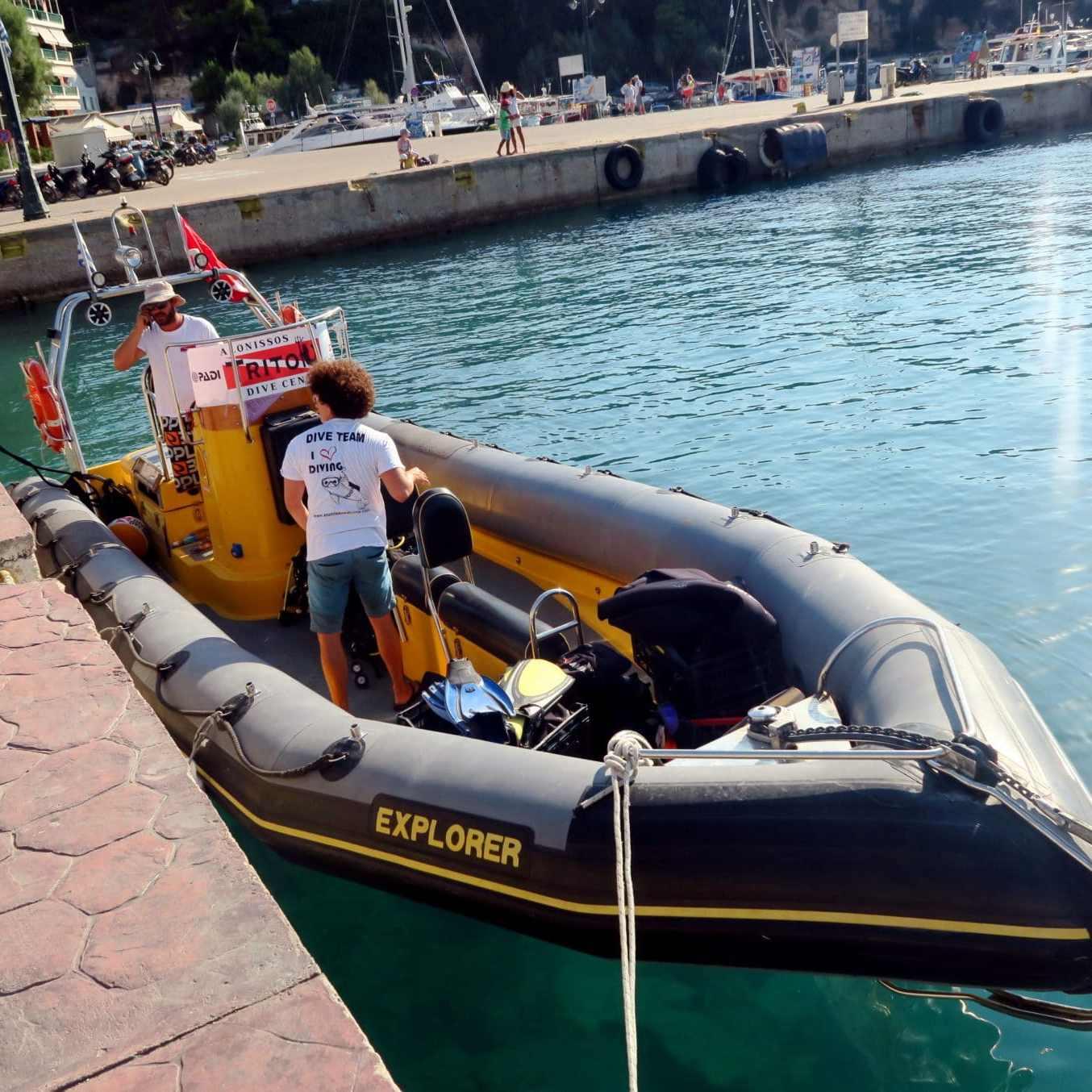 Scuba diving with Triton Dive Center Alonissos Greece