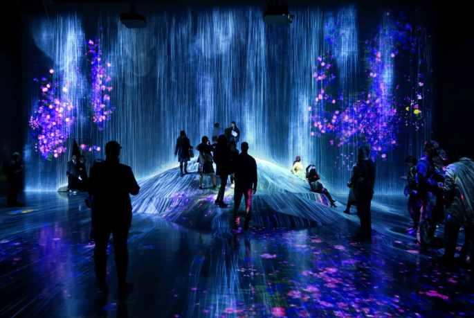 Teamlab borderless digital art museum Tokyo Japan