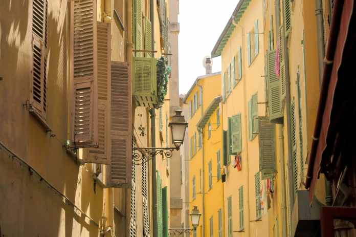 Old town - Visit Nice French Riviera