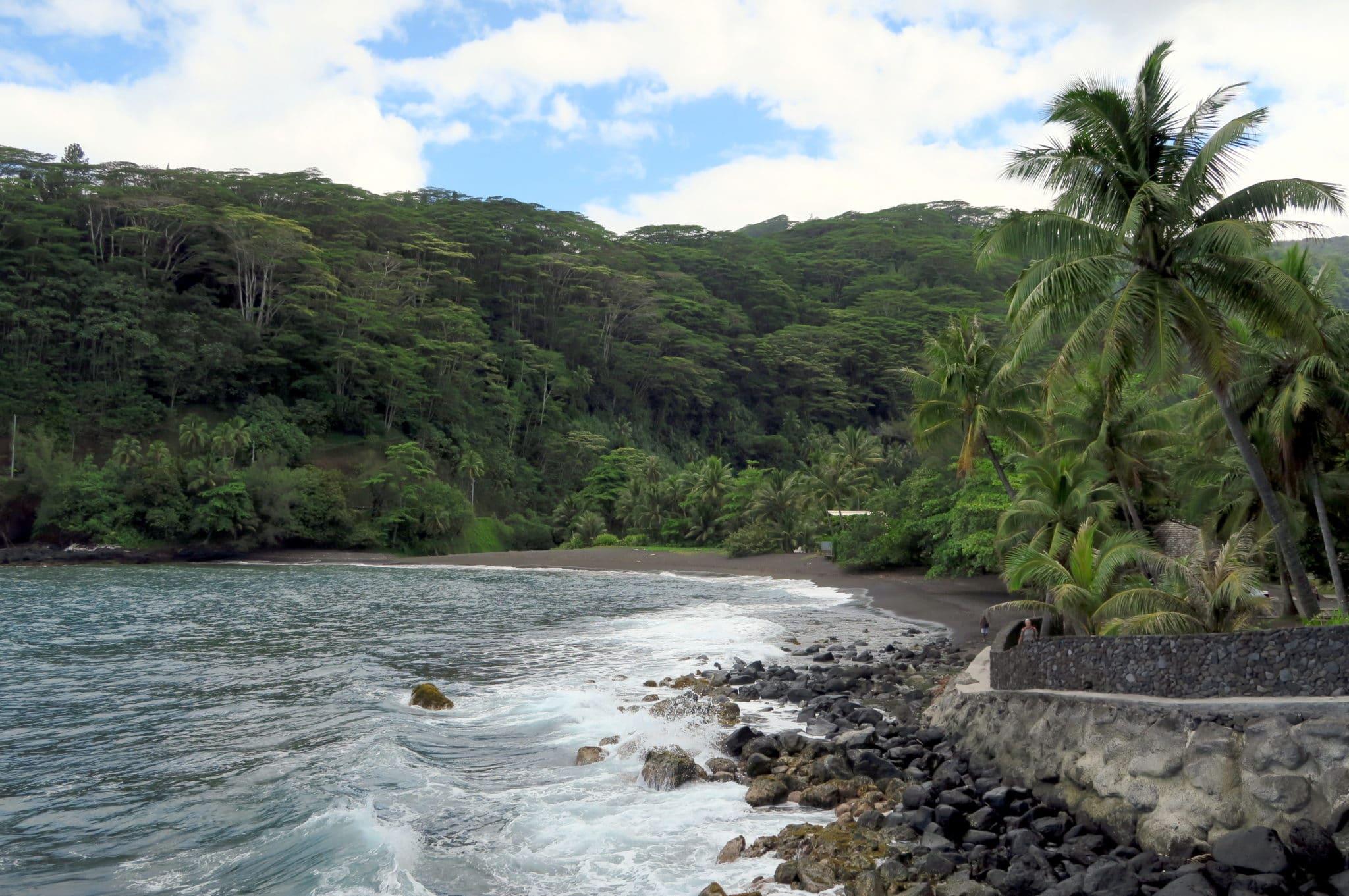 Arohoho black sand beach Tahiti
