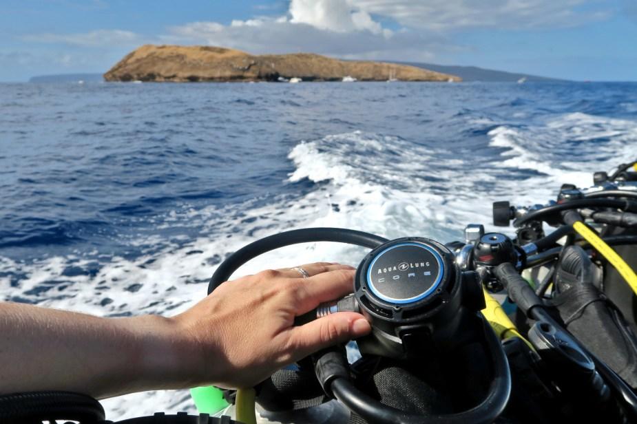 Diving in Molokini Crater Maui Hawaii