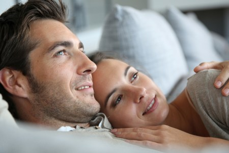 9 Ways to Tell If Someone Loves You