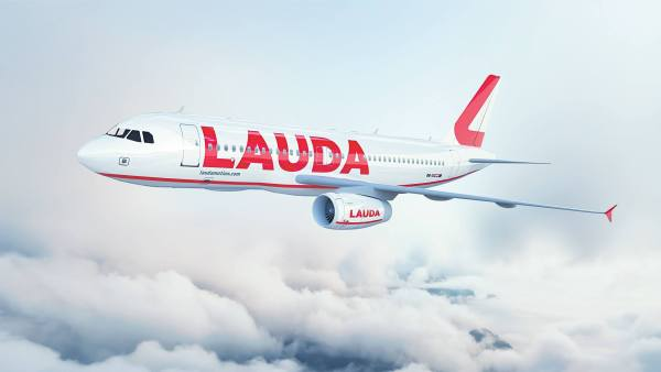 Laudamotion introduces its new livery fleet will expand