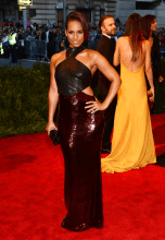 worst-alicia-keys-wore-an-ill-fitting-leather-and-sequin-gown-by-jason-wu