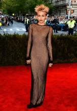 worst-miley-cyrus-said-she-felt-so-punk-in-this-marc-jacobs-dress-and-wild-hairdo