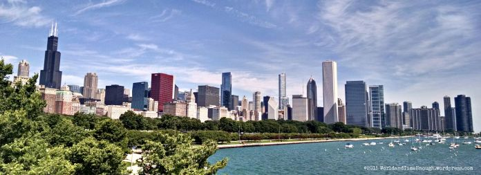 Lovely view of Chicago from the front of Shedd Aquarium.