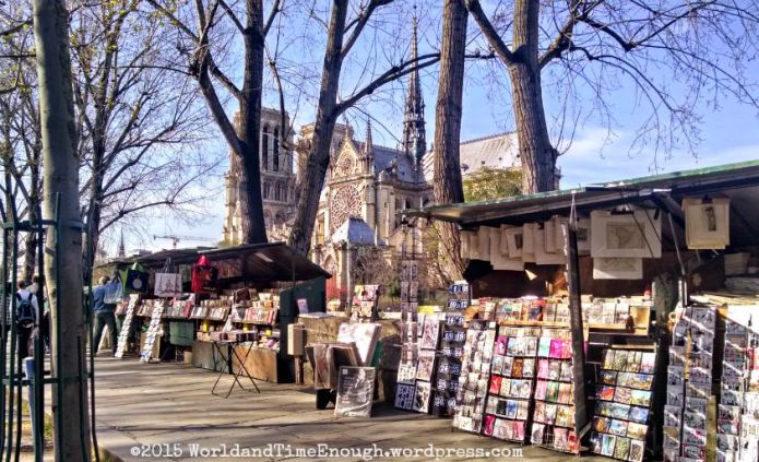 The famous booksellers along the Seine