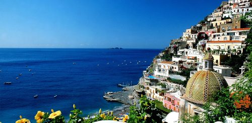 World___Italy_Blue_lagoon_in_the_resort_of_Positano__Italy_063062_