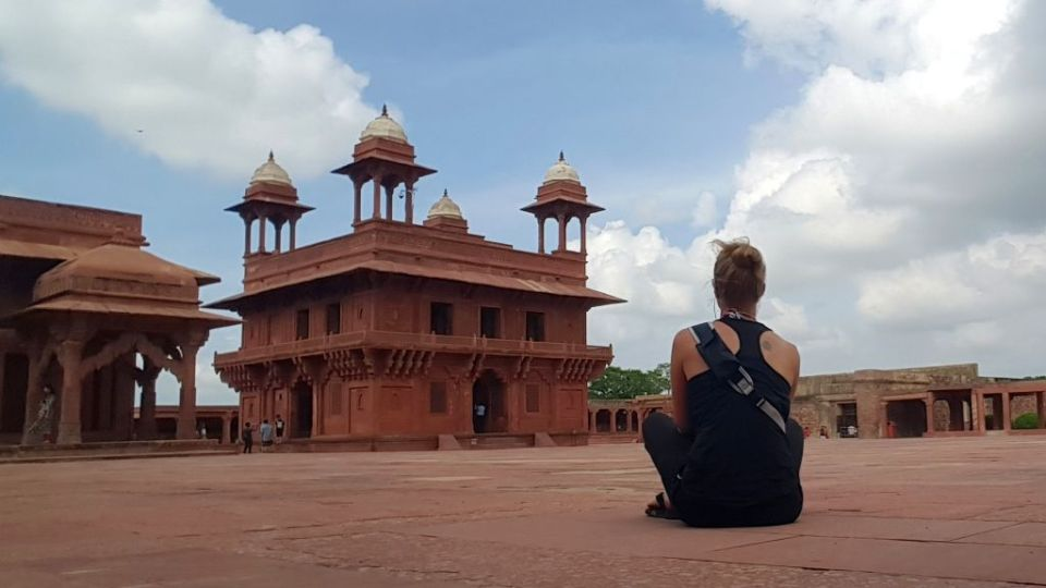 alleinreisende Frau Indien Agra