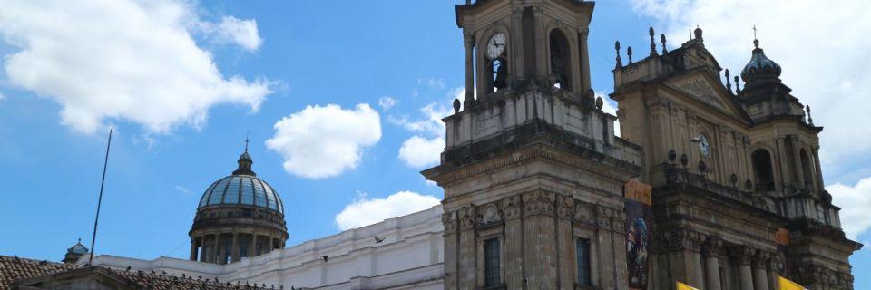 Das historische Zentrum von Guatemala Stadt – und Security ohne Ende