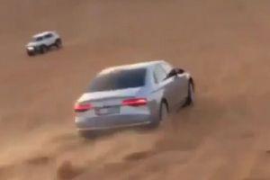 アウディで砂漠を走る