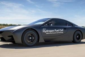 BMW・X7は水素燃料車!?