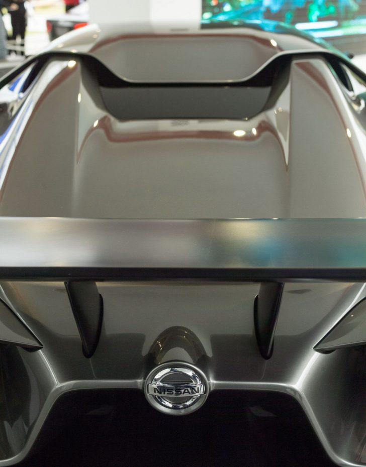 r36のカーボン製リアウイング