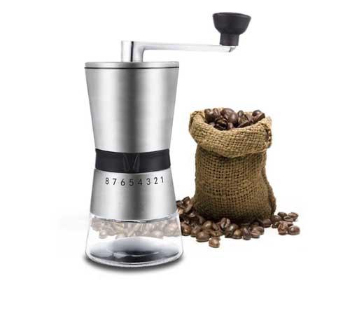 Ручная кофемолка с удобным регулятором помола