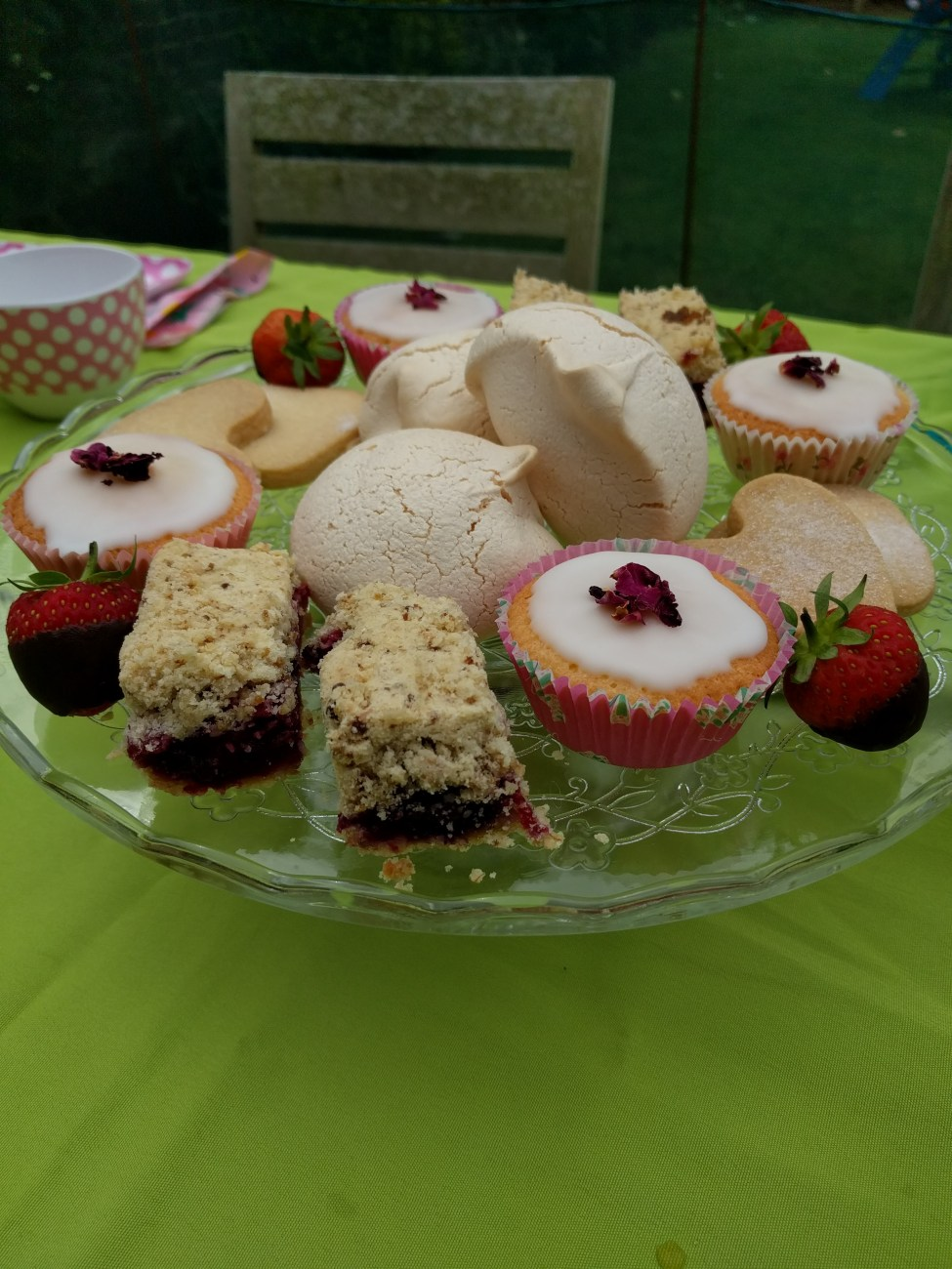 Summer Pudding Crumble Slices