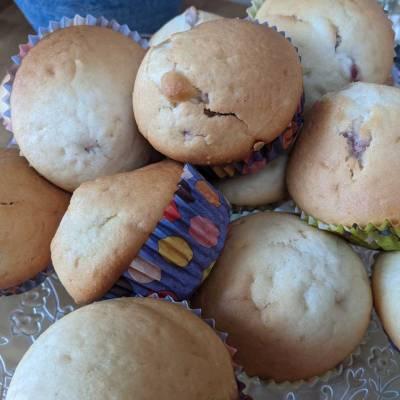 Raspberry Doughnut Muffins