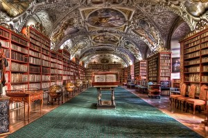 prague.library.pixabay.jpg
