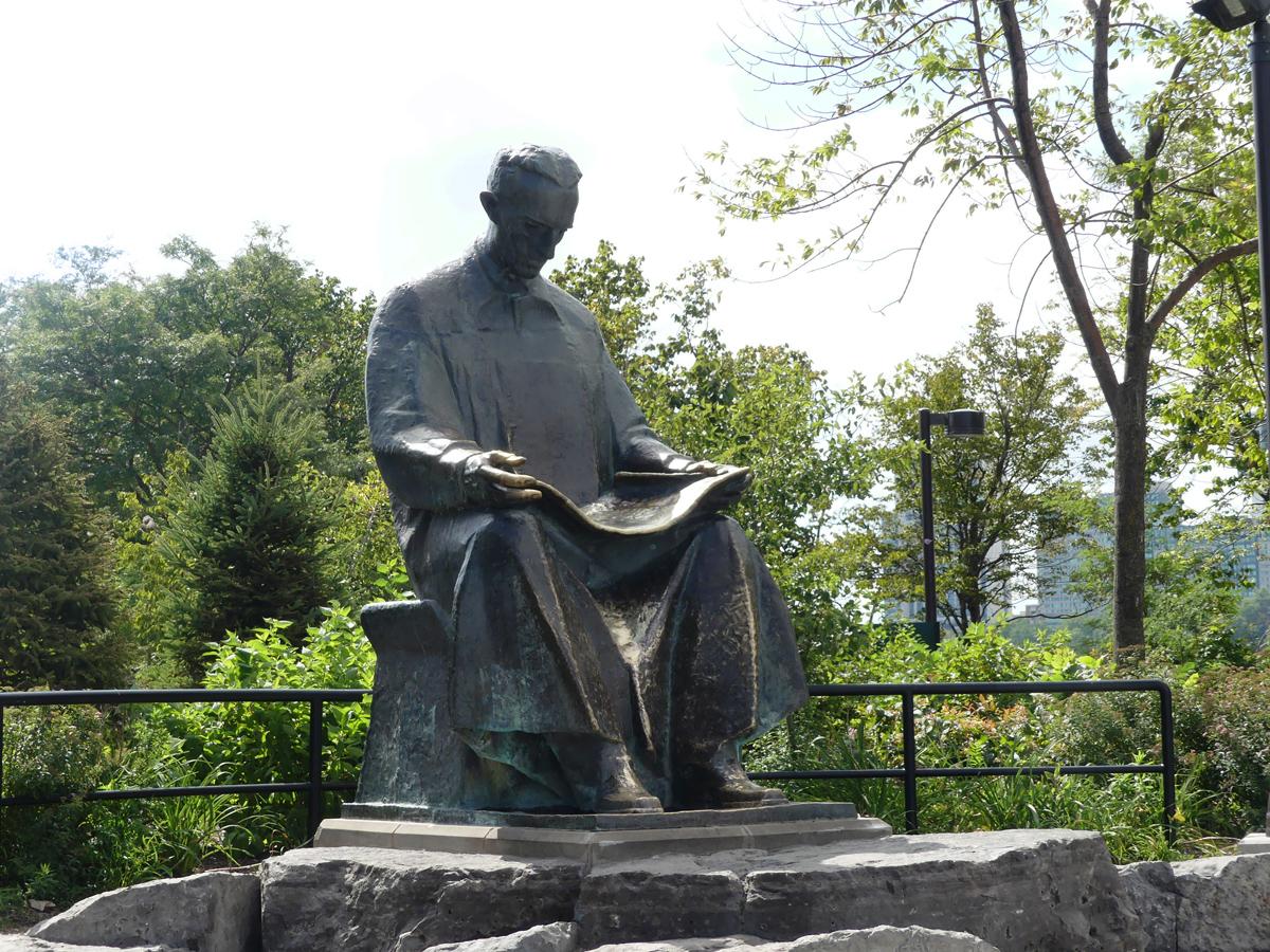 Statue of Tesla. Photo: Kathleen Walls