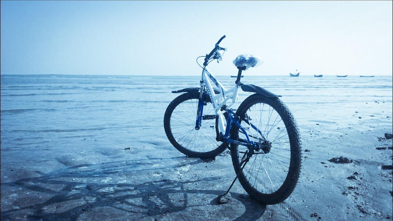 Bike on Sint Maarten beach