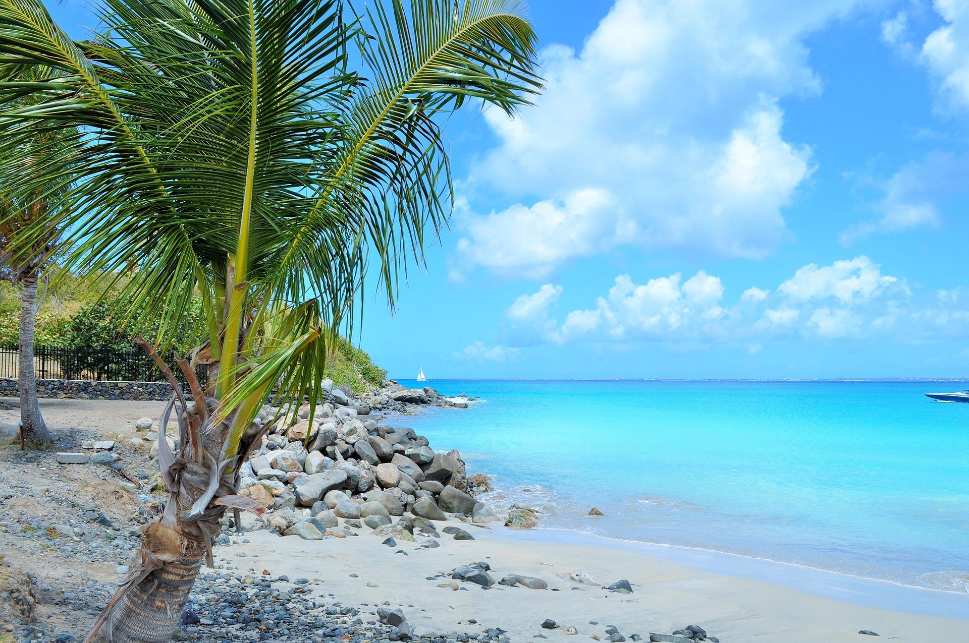 A lazy Sint Maarten beach