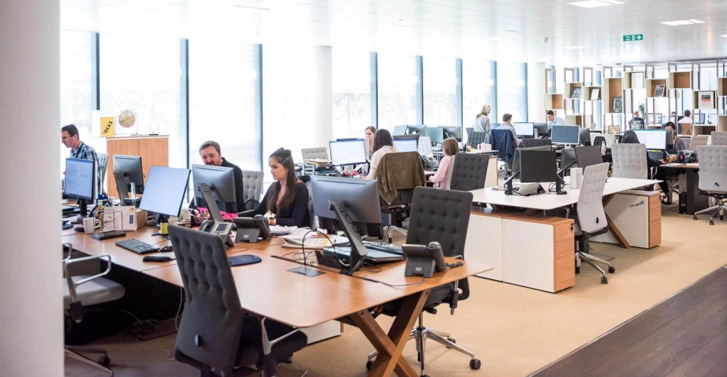 World Guardian Security Services   WGSS   provides excellence and quality security service 24/7. We operate a 24/7 constant support communications center in Alberta, Edmonton, Calgary, and surrounding arias.