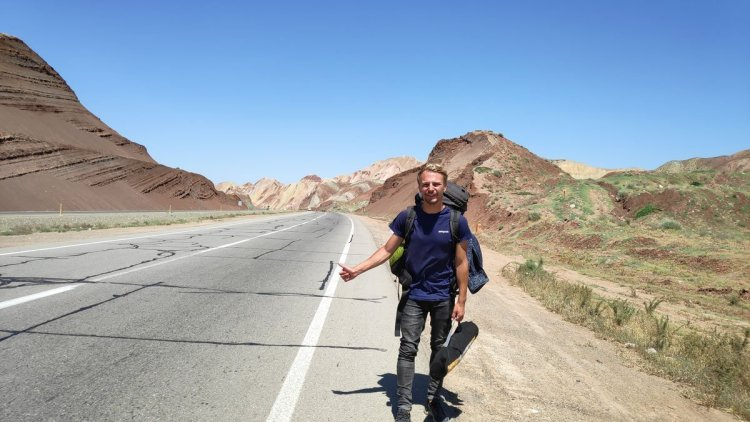 world hitchhiker in iran