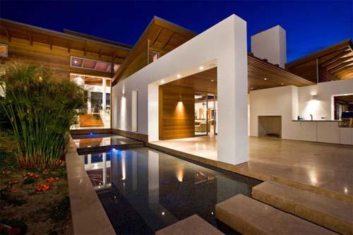 Hilltoop House Luxury House Design In California