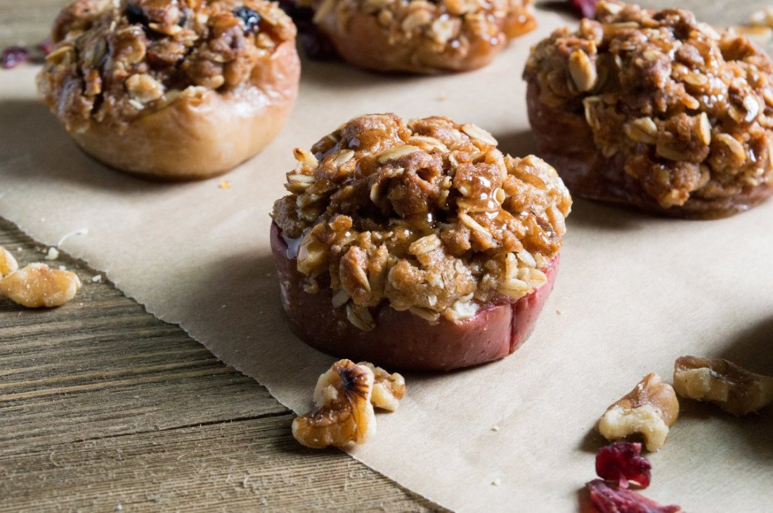 Old Fashioned Oats and Baked Apples