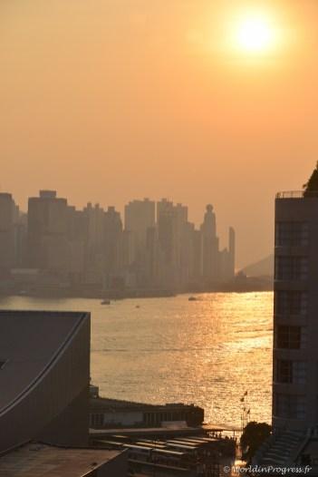 2014-10-11 17-19-51 Hong Kong City