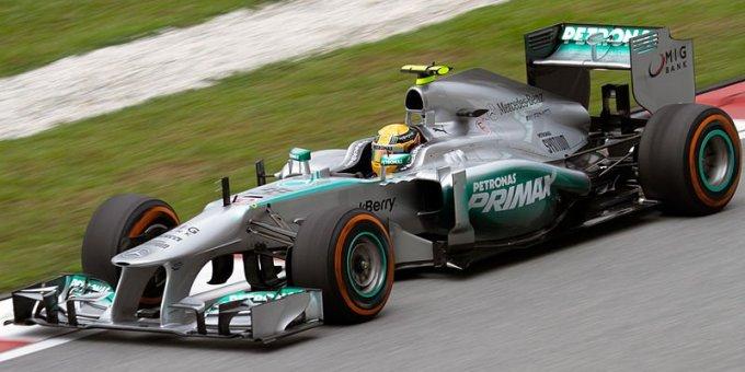 800Px Lewis Hamilton 2013 Malaysia Fp2 1 By Morio Hammm
