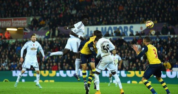 Gomis Swansea Arsenal Football 3227267