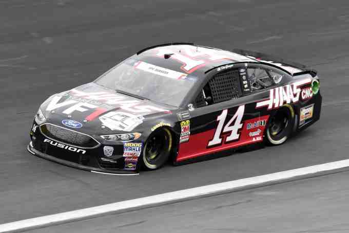 Clint Bowyer Beats Kevin Harvick For Nascar Cup Series Win At Michigan Scaled