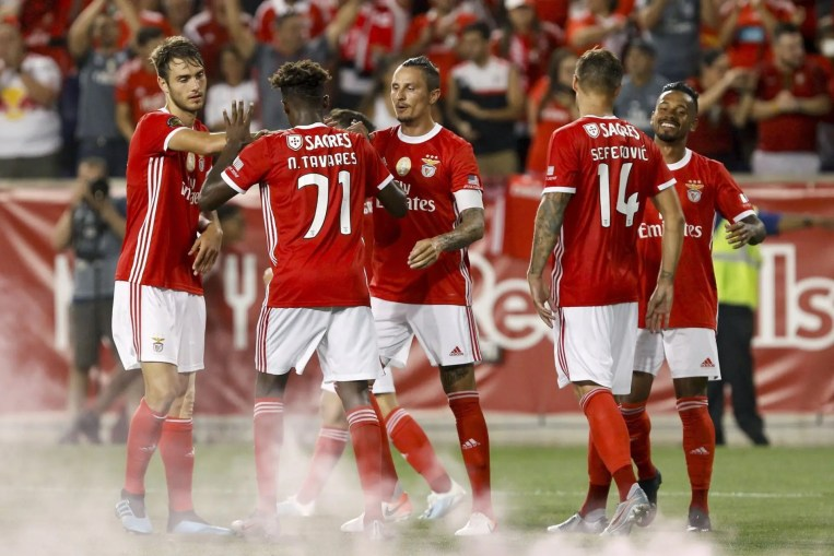 Caio And Benfica Players Celebrate Late Winner.