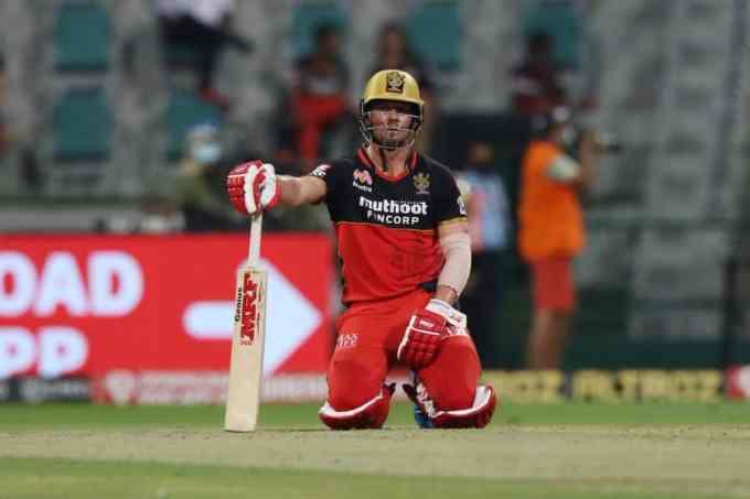 De Villiers tries to rescue Bangalore again
