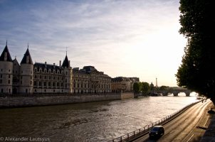 Late afternoon on Seine River