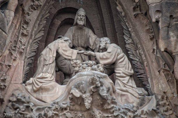 sagrada-familia-exterior-details-11