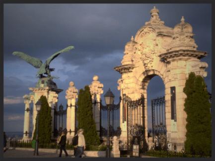 buda+castle+gate