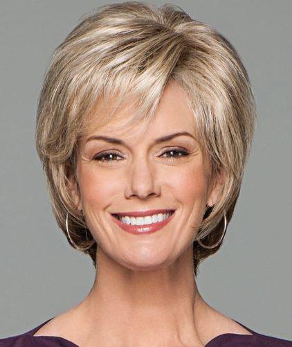 Стрижки женщин после 50 лет 2021 прически волос с фото ...