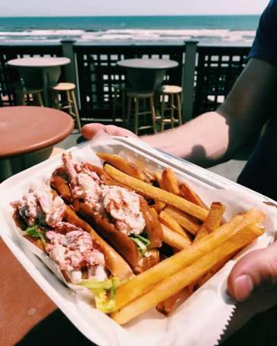 Newport RI Eastons Beach Snackbar Lobster Roll
