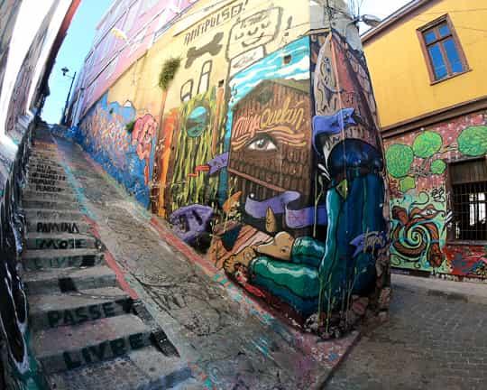 Valparaiso 2 Day Guide: Street Art Tour