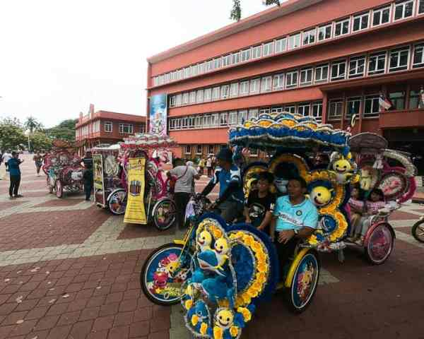 Day Trip to Malacca: Ride in a Pedicab