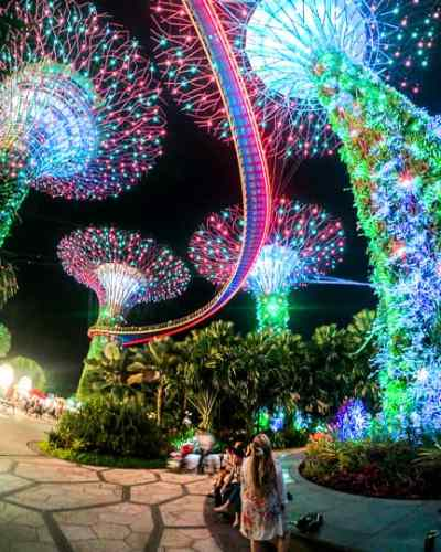 Budget Friendly things to do in Singapore: See the Spectra Lightshow