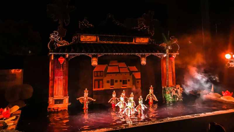 10 Cheap things to do in Hoi An: Go to the Water Puppet Show