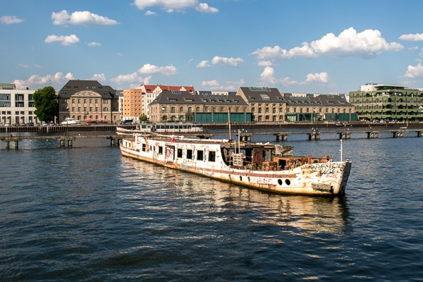 4 Day Guide Berlin on a Budget - Walk along the Spree