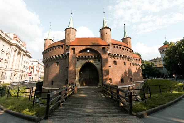 The Barbican of Krakow: a 15th century defense gate