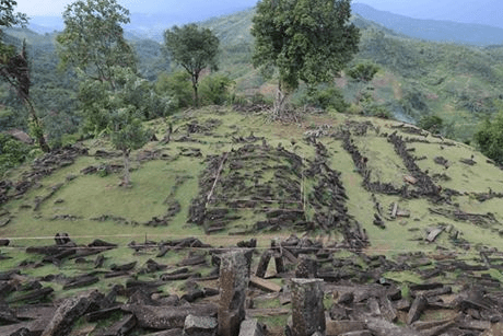 ancient-electric-device-discovered-in-indonesian-ruins-gold-city-temple