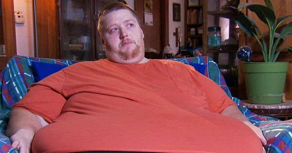 Man kicked out of all-you-can-eat buffet after eating more than 50 lbs of food, sues for $2-million